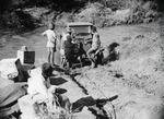 ETH-BIB-Lieferwagen wird aus dem Fluss gezogen-Kilimanjaroflug 1929-30-LBS MH02-07-0294.tif