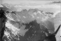 ETH-BIB-Sunnig, Wichel, Piz Giuv, Rinzenstock, Gotthard, Walliseralpen v. N. O. aus 3000 m-Inlandflüge-LBS MH01-003957.tif