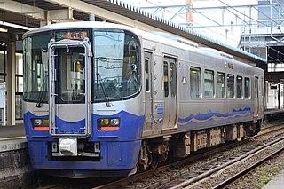 ET122 Japanese diesel multiple unit operated by the Echigo Tokimeki Railway