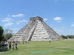 El Castillo Chitzen Itza.jpg