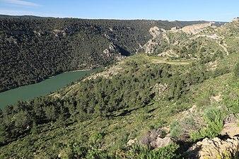 Embalse del Molinar, Ermita y Barrio del Santuario, 03.jpg