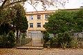Entrada traseira do Instituto Ramón Cabanillas, Cambados.jpg