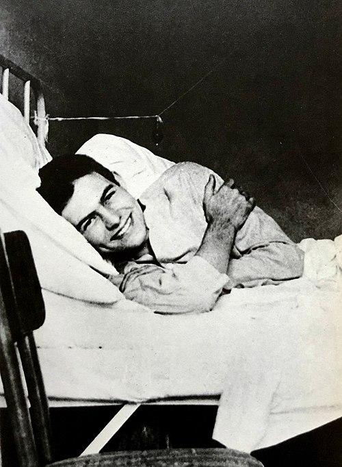 Ernest Hemingway, 1918, American Red Cross Hospital.jpg