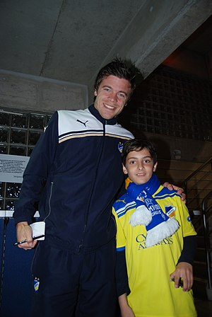 Esteban Solari - Image: Esteban Solari with APOEL fan