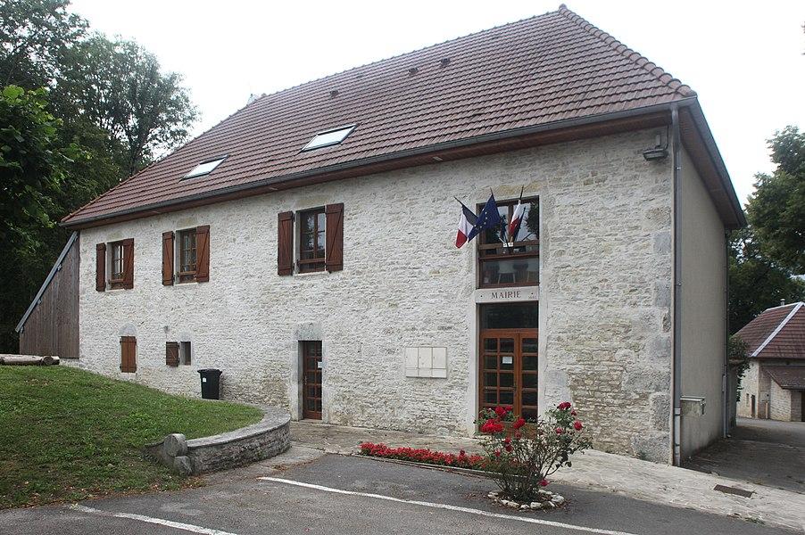 Mairie d'Étray (Doubs).