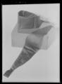 Etui av papp, utvändigt klätt med röd marockäng - Livrustkammaren - 36117.tif
