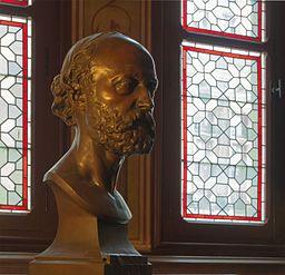 Eugène Viollet-le-Duc buste Hiolle Château de Pierrefonds Oise