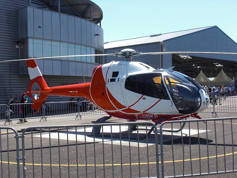 Hélicoptère de type Eurocopter EC-120B Calliope, immatriculation F-HBKP, stationné sur la base militaire de l'aérodrome de Dax-Seyresse. Exposé lors de la Fête de l'Hélicoptère 2012.