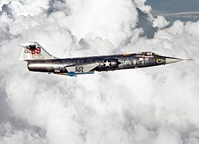 280px-F-104_right_side_view.jpg
