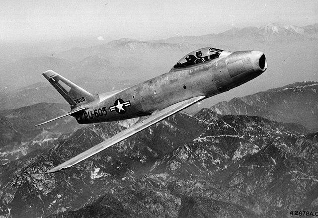 640px-F-86A_01.jpg