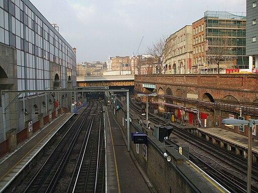 Farringdon station high northbound