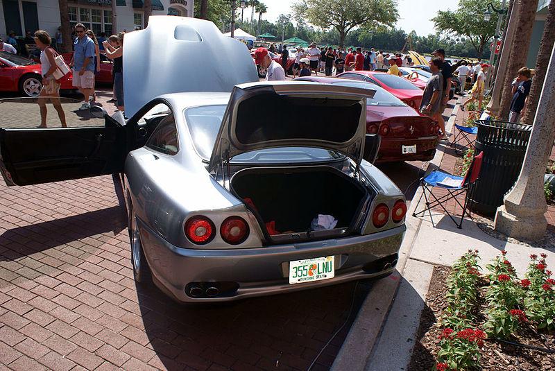 File:Ferrari 550 2000 Maranello LRear open CECF 9April2011 (14620975713).jpg