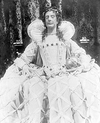 Elizabeth the Queen (play) - Lynn Fontanne as Elizabeth I of England