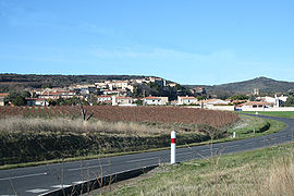 Distant view of Fontès