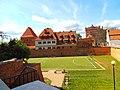 Fosa zamku krzyżackiego w Toruniu.jpg