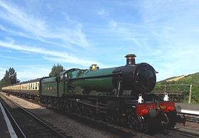 GWR Class 6959 No 6990 Raveningham Hall Williton.jpg