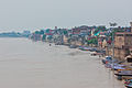 Ganges River in Varanasi 01.jpg