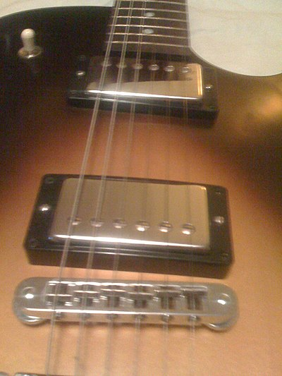 Gibson ES-135 VS standard humbuckers & fixed Tune-O-Matic bridge.jpg