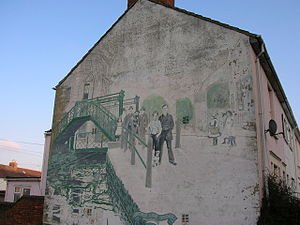 History of Swindon - A mural in Swindon town centre illustrating the Golden Lion bridge which used to be adjacent.