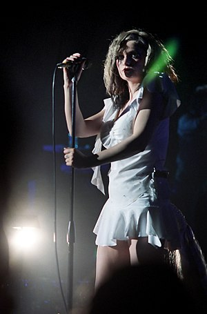 Black Cherry (Goldfrapp album) - Goldfrapp performing in October 2003