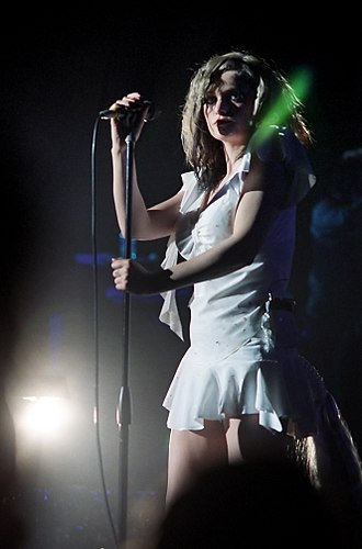 Black Cherry (Goldfrapp album) - Goldfrapp performing in October 2003