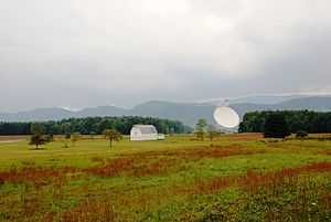 English: Green Bank Telescope at National Radi...