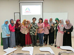 Group photo of participants in Sundanese Wikipedia writing session.jpg
