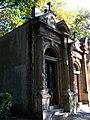 Hřbitov Malvazinky, hrobky.jpg