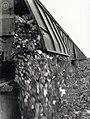 HUA-167953-Afbeelding van het storten van huisvuil op het terrein van de VAM (Vuil Afvoer Maatschappij) te Wijster.jpg