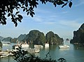Ha Long Bay, Vietnam - panoramio (60).jpg