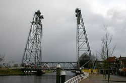 Vertical-lift bridge over the Gouwe in Waddinxveen