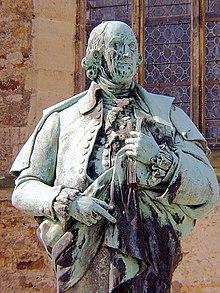 An den Aufenthalt Herders in Bückeburg erinnert seit 1908 ein Denkmal an der Stadtkirche (Quelle: Wikimedia)