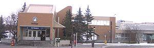 Heritage station (Calgary) - Image: Heritage (C Train) 1