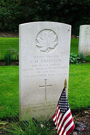 Gerald MacIntosh Johnston - Grave, Heverlee War Cemetery