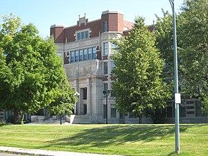 English: Hibbing High School in Hibbing, Minne...