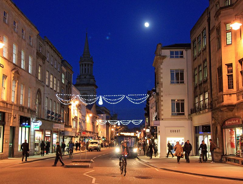 High Street in Oxford by Night 2009 LL.jpg