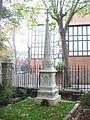 Highgate Cemetery 026.jpg