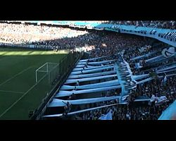Archivo:Hinchada de Racing Club.ogv
