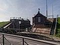 Hunsingosluis met sluismeestershuisje, Zoutkamp 5.jpg