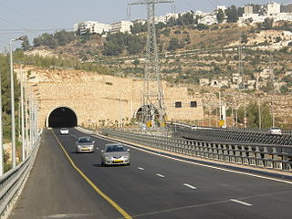 Hwy 1 - Arazim Valley.jpg