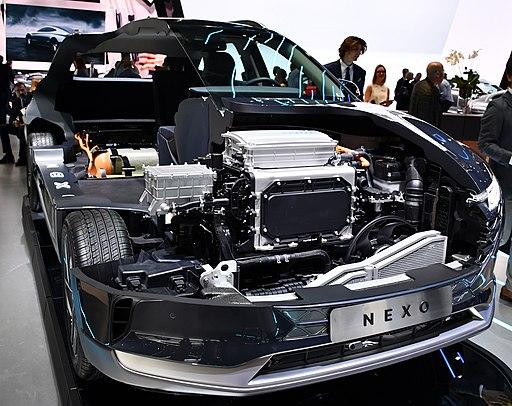 Hyundai NEXO Hydrogen Fuel Cell Car beim Autosalon Genf 2018 a