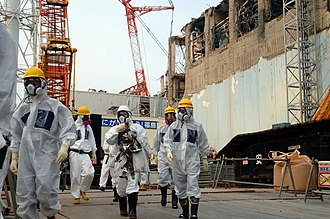 Fukushima Daiichi nuclear disaster - IAEA experts at Fukushima Daiichi Nuclear Power Plant Unit 4, 2013