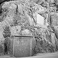 Inscriptie als gedenkplaat in de wand van het dal van de Nahr el Kelb, Bestanddeelnr 255-6437.jpg