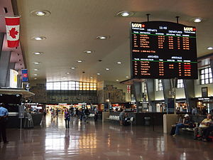 Inside the Gare Centrale du CN, CN Central Station.jpg