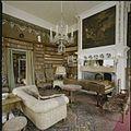 Interieur, overzicht van de bibliotheek, met schouw - Amerongen - 20423781 - RCE.jpg