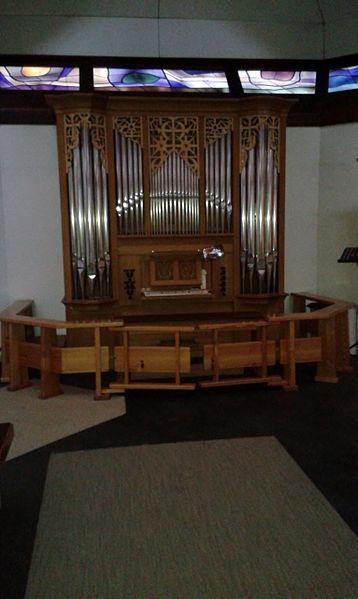 Datei:Inzersdorf Kremstal Marienkirche Orgel.jpg