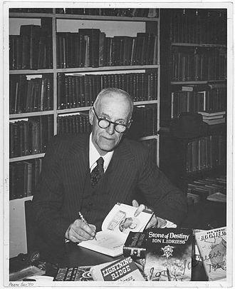 Ion Idriess - Ion Idriess in 1950