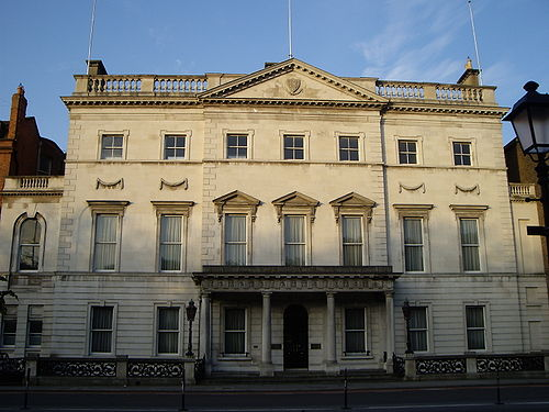 Iveagh House, Department of Foreign Affairs and Trade, Ireland Iveagh House morning.jpg