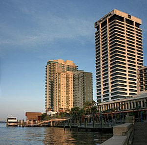 Jacksonville Water Taxi - Image: Jacksonville Riverplace Tower and The Peninsula Digon 3