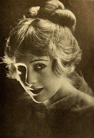 Jewel Carmen - Image: Jewel Carmen 1918